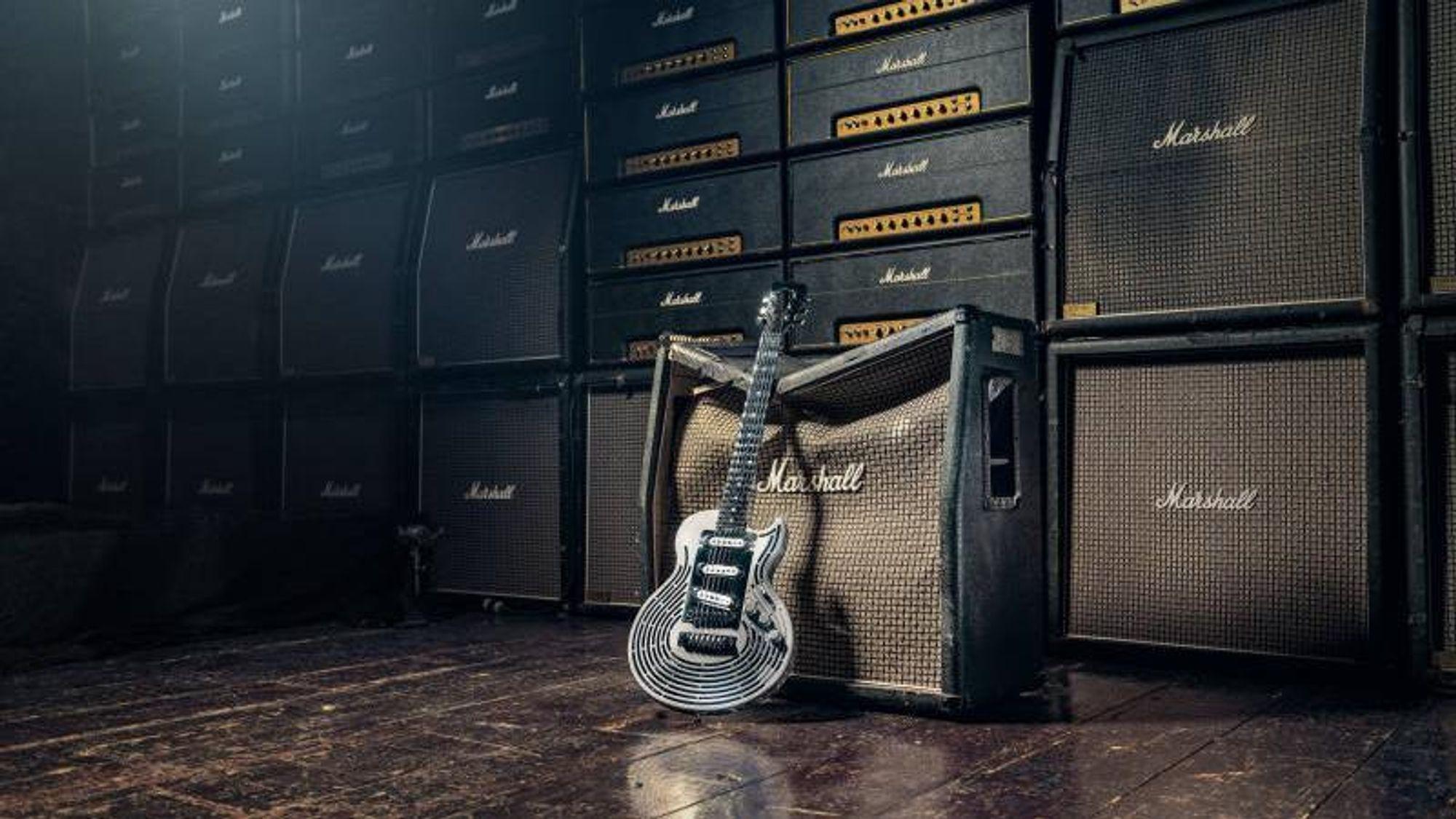Selve kroppen til gitaren er 3D-printet og består blant annet av titan.