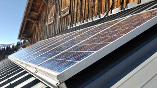 53.000 danske solcelle-eiere har «feil» måler: Må selv betale for å få byttet den ut