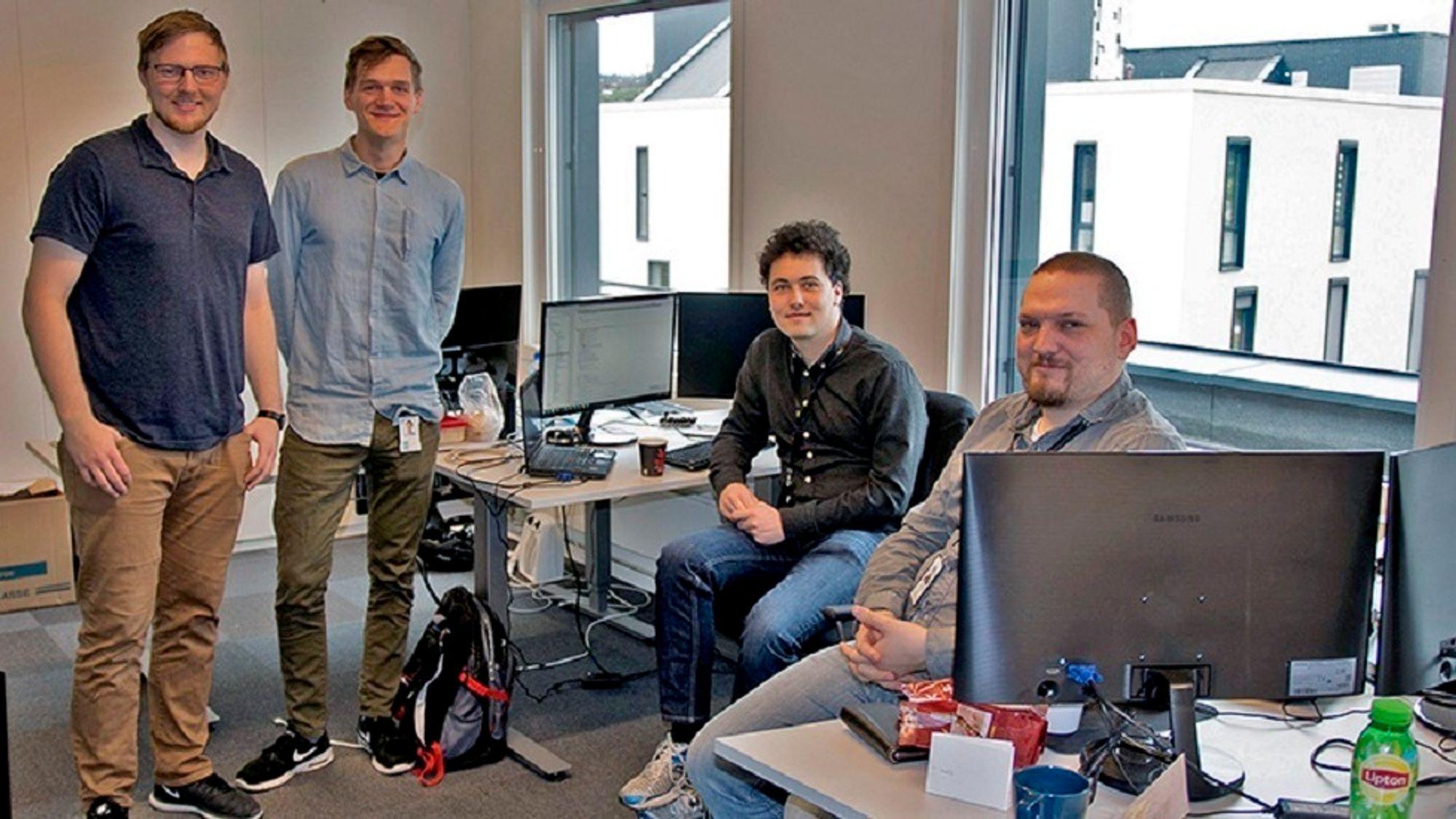 Øyvind Aarø, Dag Drejer, Andreas Risvaag og Kim Erling Rasmussen i Sensero, som får støtte til maskinlæring for å visualisere flyten av energi i strømnettet. Målet er å forstå hvor energi går tapt.