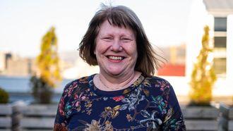 Styrer Unni Sirevåg Lende har fått noen helt spesielle erfaringer gjennom å starte velkomstgruppe for asylbarna. Nå vil hun gi IS-barna en myk start.