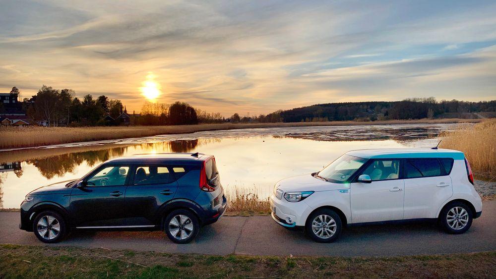 Kia e-soul 64 kWh til venstre, Kia Soul EV 30 kWh til høyre. Mye er likt, men bilene oppleves likevel som natt og dag.