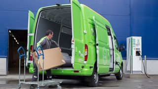 Ikea tar i bruk elektriske varebiler til hjemtransport