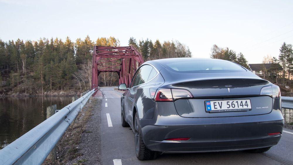 Tesla Model 3 uten hengerfeste.