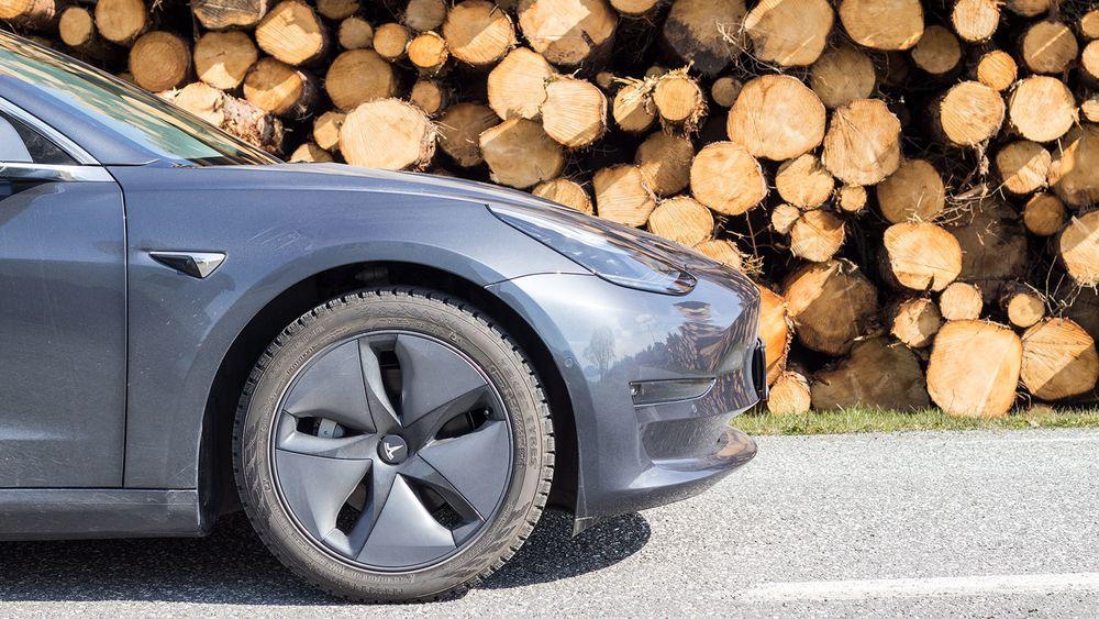 Tesla Model 3 er plukket fra hverandre og studert del for del.