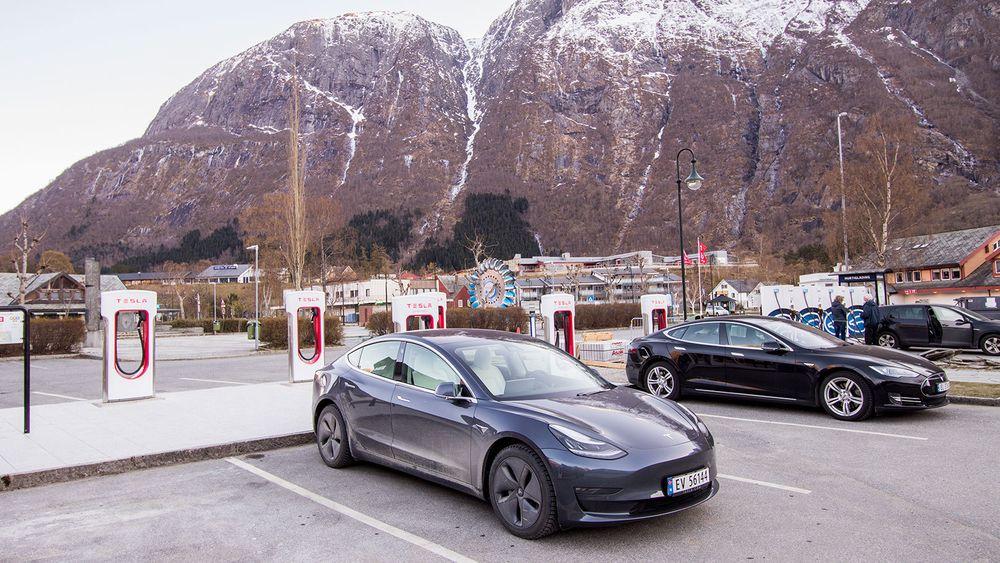 Tesla har økt sin kundetilfredshet betydelig, og er bilmerket med de mest lojale kundene.