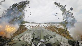 Vi har samlet det beste fra CV90s skytedemonstrasjon i én video