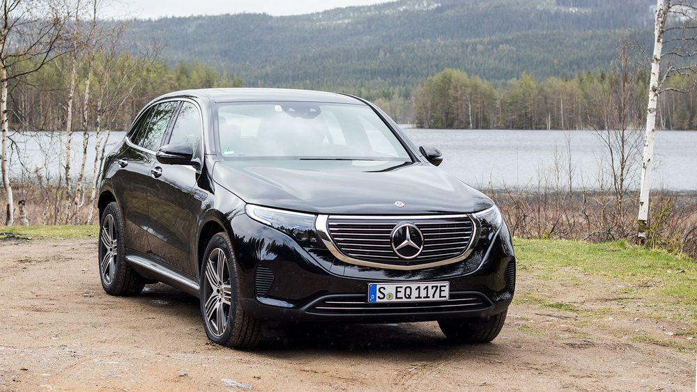 – Vanligvis vil jeg si at når du kjører rundt her i Norge kan du utvilsomt komme under 20 kilowattimer per 100 kilometer, mener sjefingeniør for EQC, Michael Kelz.