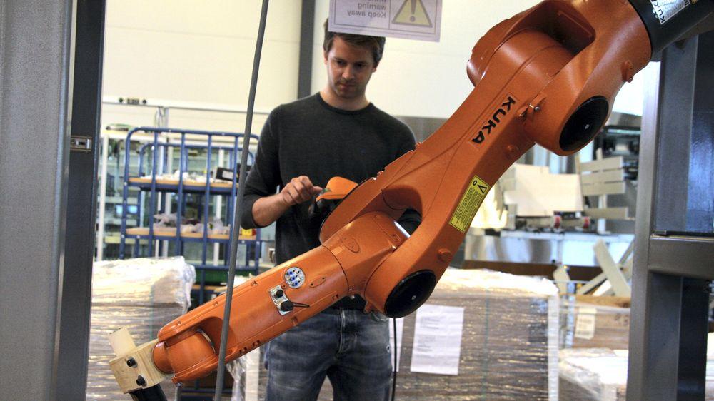 For tre år siden utviklet Tronrud Engineering en produksjonslinje for automatisert fiskeforedling. Etter den tid har det blitt flere hundre andre spesialiserte produkter.