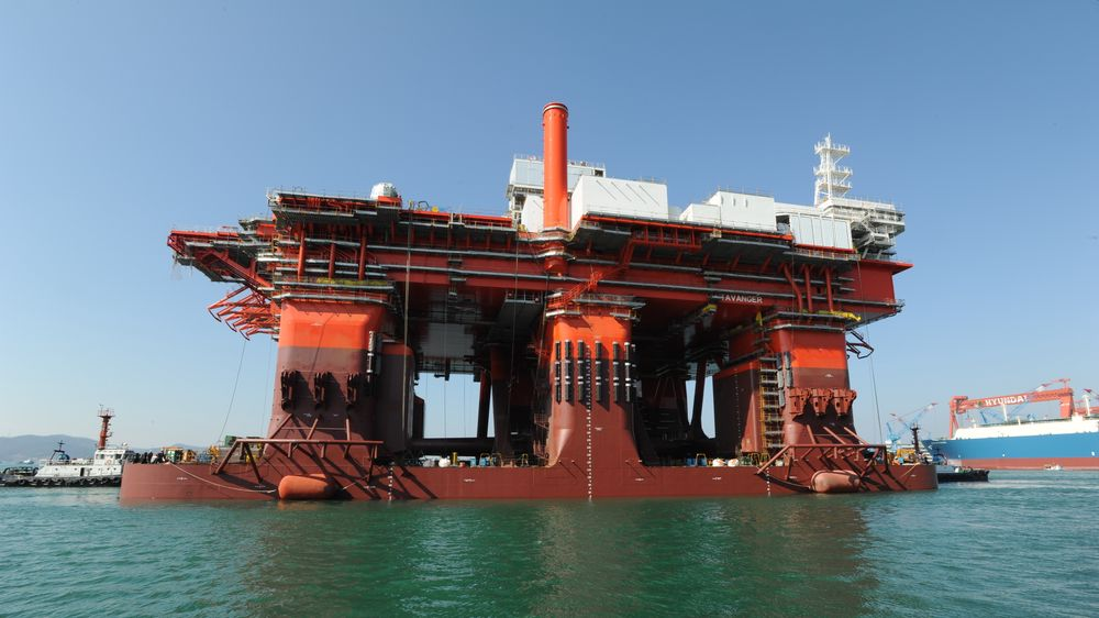 West Mira er en semi submersible rigg spesielt bygget for å operere på dypt vann. Den ble bygget ved Hyundai-verftet i 2015 og har nå fått installert en batteripakke for energilagring.