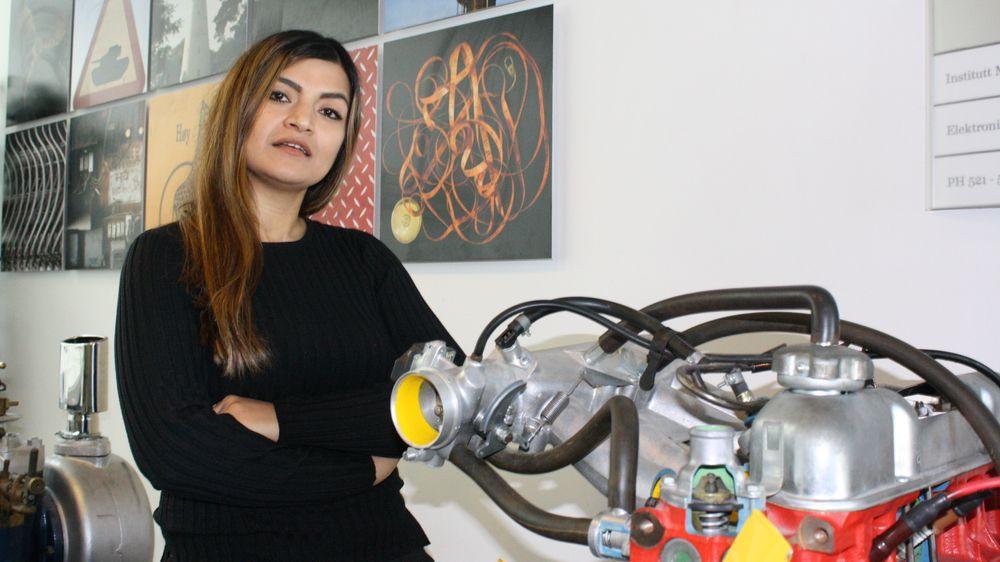 Fremtidig maskiningeniør Karshid Samimi synes det er urettferdig at jentene forventer seg lavere lønn enn guttene på studiet.
