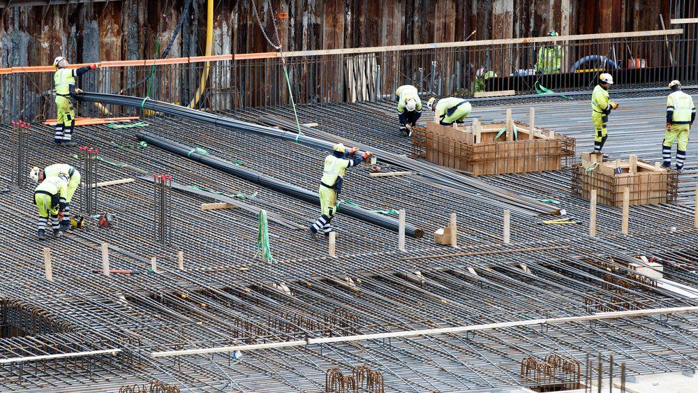 Mangelen på arbeidskraft øker i Norge. I bygg- og anleggsnæringen har behovet for arbeidskraft økt med 81 prosent siden i fjor.