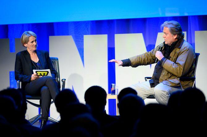 Christina Pletten i Aftenposten intervjuer Steve Bannon under Nordiske mediedager.