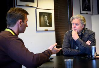 Steve Bannon i intervju med Medier24s Ole Alexander Saue under Nordiske mediedager i Bergen.