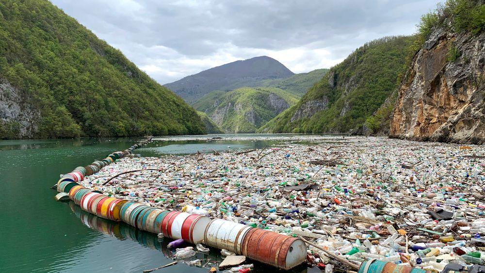 Vedtaket i Genève innebærer at eksport av plastavfall som ikke er helt klart for umiddelbar gjenvinning, vil kreve en spesiell eksportlisens.