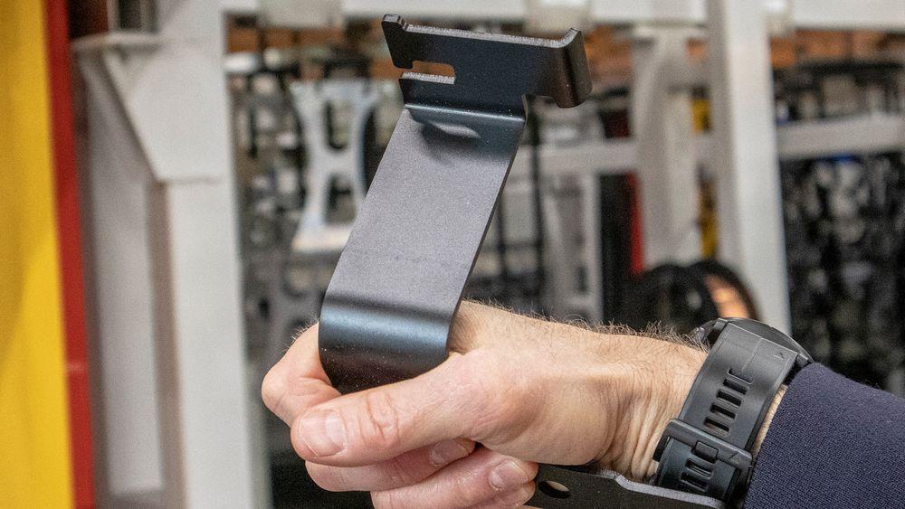 Helt unikt: Denne komponenten som skal benyttes i en svensk lastebil er behandlet med en ny prosess basert på norsk grafénoksid. Det skal gi lenger holdbarhet mot korrosjon og mekanisk skade enn noen annen behandlingsprosess.