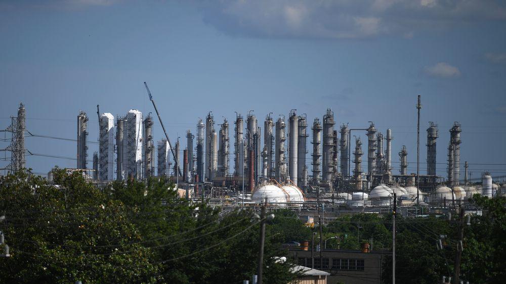 Nordmenn har valfartet til «oljemessen» i Houston i 50 år. Årets deltakerantall nådde 275, som er høyere enn på mange år.