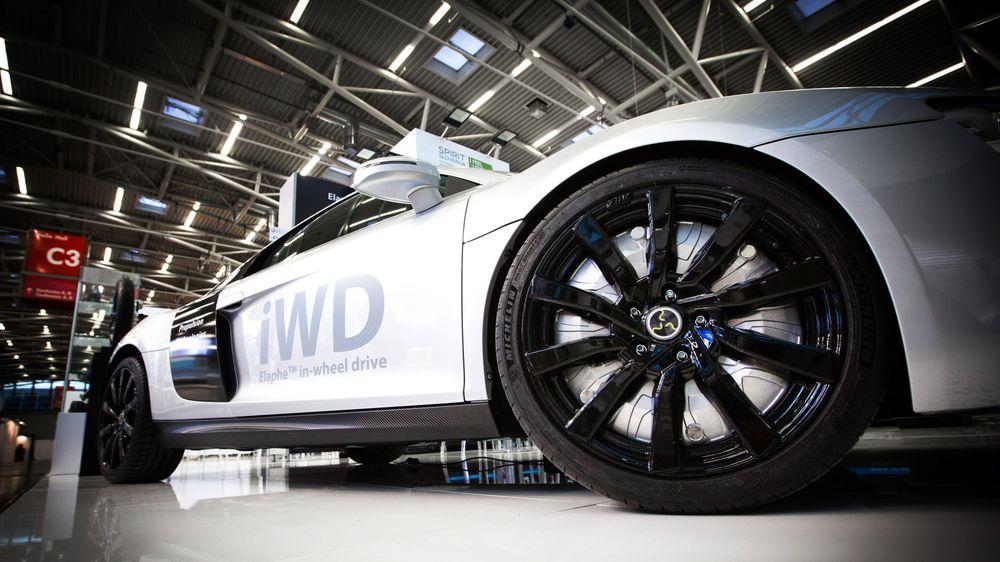Elaphe har konvert en Audi R8 til elektrisk drift. Inwheel-motoren kan skimtes inne i felgen.