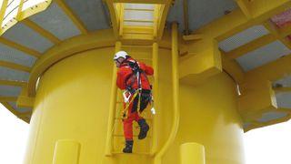 Høres det spennende ut å jobbe med 250 meter høye vindturbiner langt ute på havet?