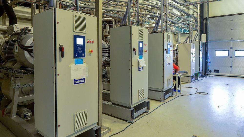 Varmepumper: Ved å tenke gjennom energistrømmer og utnytte all spillvarme senker Tine energiforbryket med 40 prosent ved sitt nye meieri i Bergen. I tillegg har de 6000 kvadratmeter solceller på taket som skal gi en halv GWh med strøm årlig.