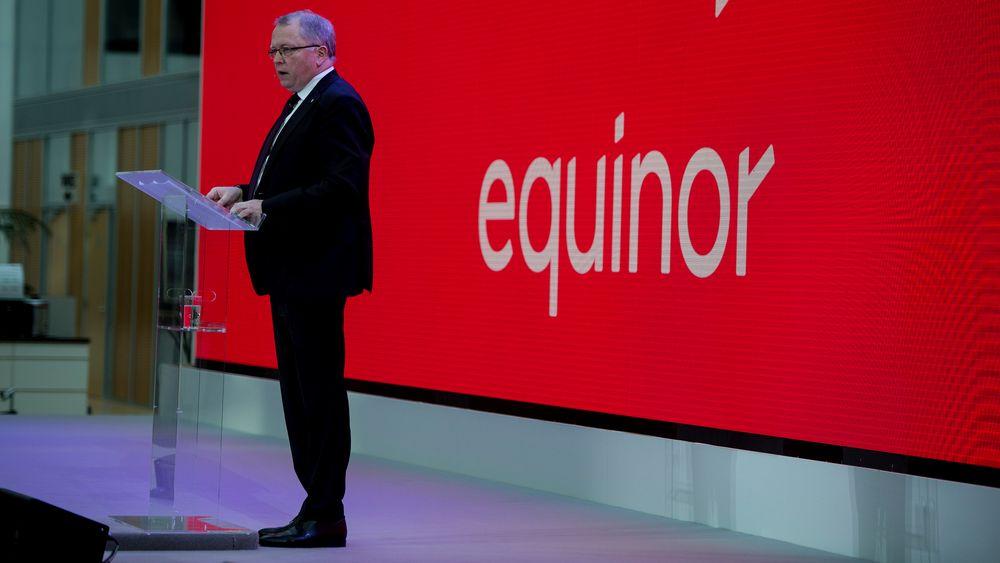 Å flytte innsatsen bort fra olje og gass var én av grunnene til at Statoil i fjor byttet navn til Equinor. Her presenterer konsernsjef Eldar Sætre det nye navnet på allmøte i Stavanger.