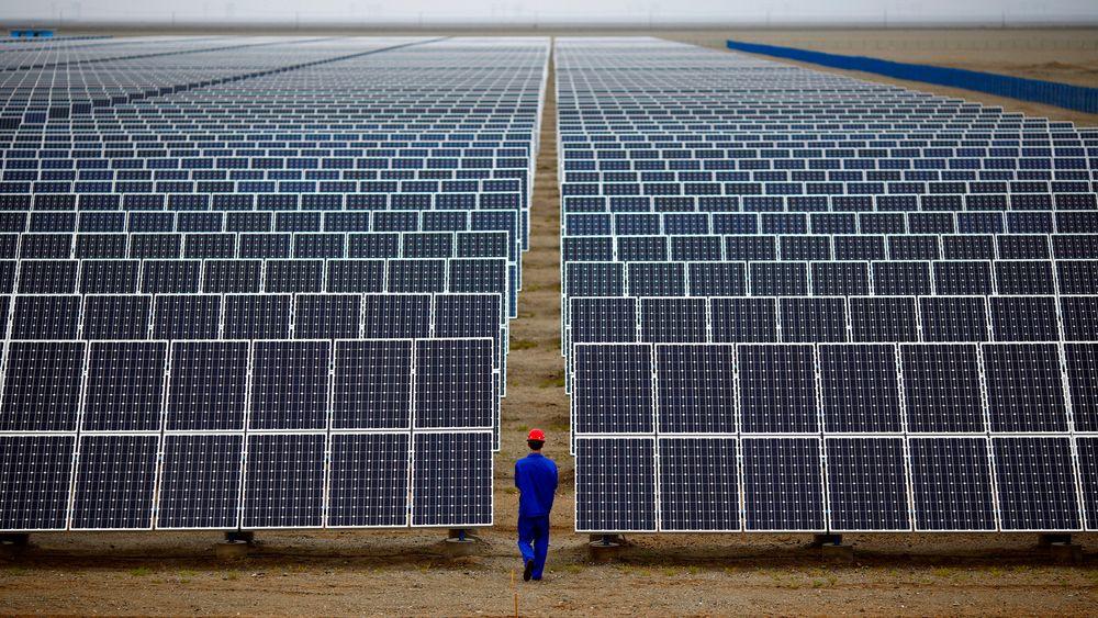 Solenergi vokser over hele verden. Nå mener en av norges fremste solforskere at det er behov for et veikart for bransjen.