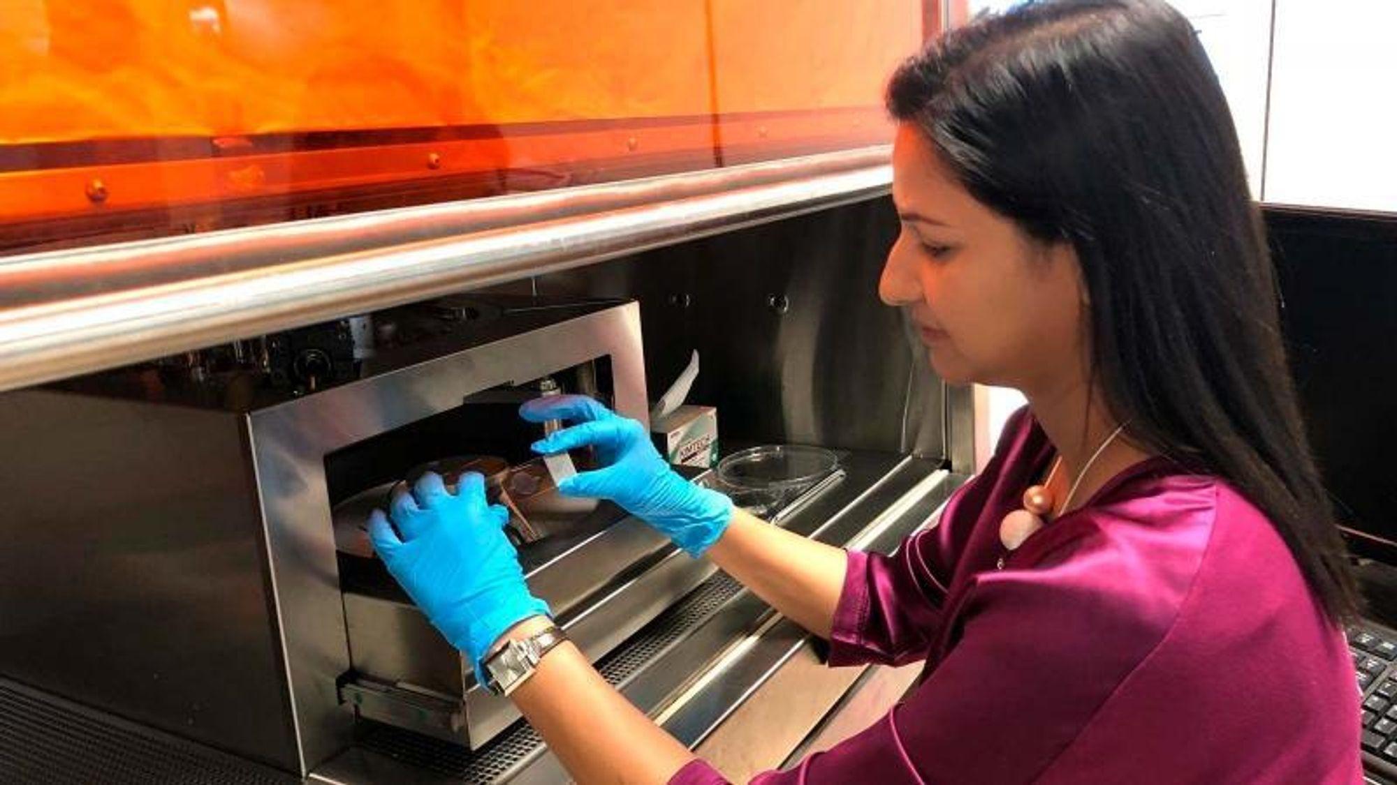 Shweta Agarwala er lektor ved Institut for Ingeniørvidenskab på Aarhus Universitet, og jobber med å kombinere elektronikk og biologi innen det eksperimenterende forskningsfeltet bioelektronikk.