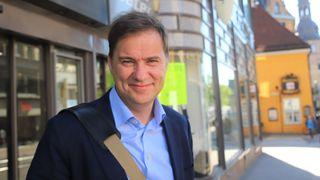 Trond Vinje, HR-direktør i Evry, ute på gata i Grensen i Oslo.
