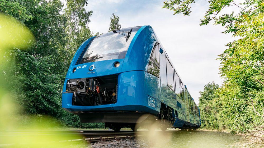Stor interesse: Etter at Alstom lanserte hydrogentoget Coradia iLint på en tranpottmesse i Berlin for under tre år siden har jernbaneselskapene våknet opp for det klimavennlige drivstoffet.