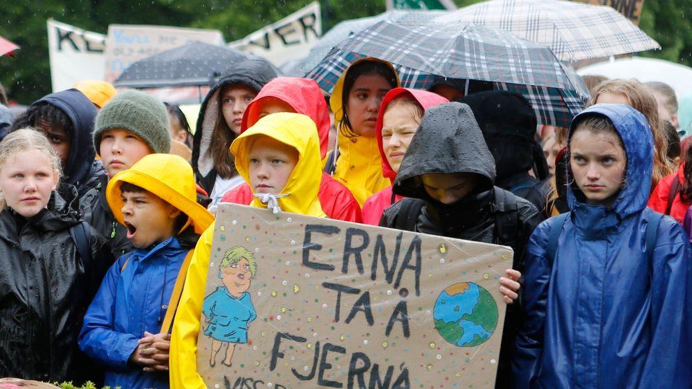Flere tusen ungdommer klimastreiket fra skolen fredag