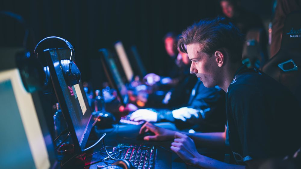 Nordavind og Haakon «Radifaction» Tholo er klare for finalen i Telialigaen i Counter-Strike.
