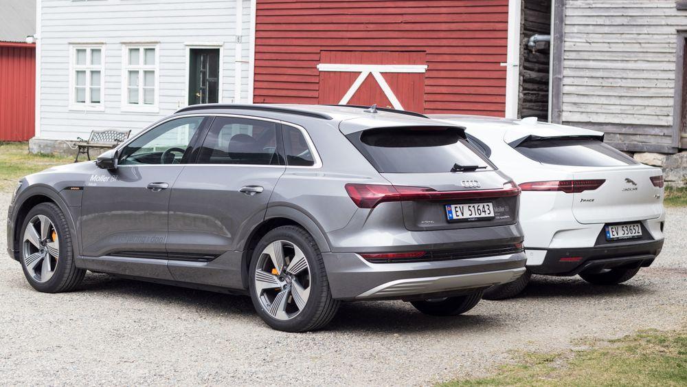 Audi E-Tron, med Jaguar I-Pace i bakgrunnen.