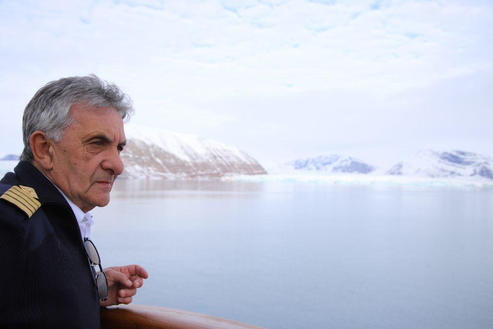 Kaptein Tormod Karlsen på Nordstjernen ser breene krympe år for år. Han er bekymret over hvor raskt klimaendringene gir seg utslag på Svalbard.