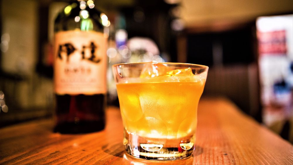 Mens skottene rynker på nesa over å servere single malt-whiskyen on the rocks, er det høyst vanlig i Japan.