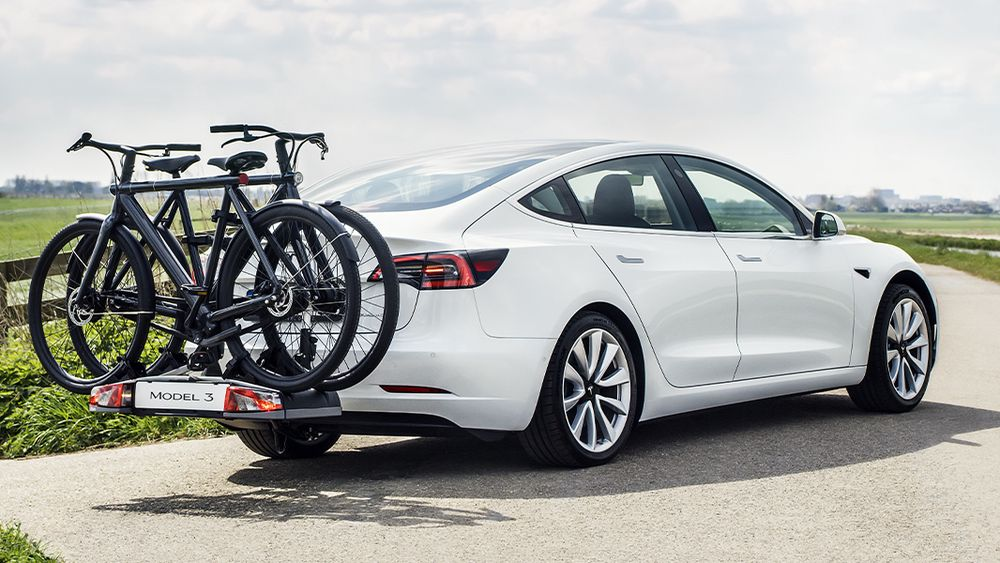 Tesla Model 3 kan trekke 910 kilo.