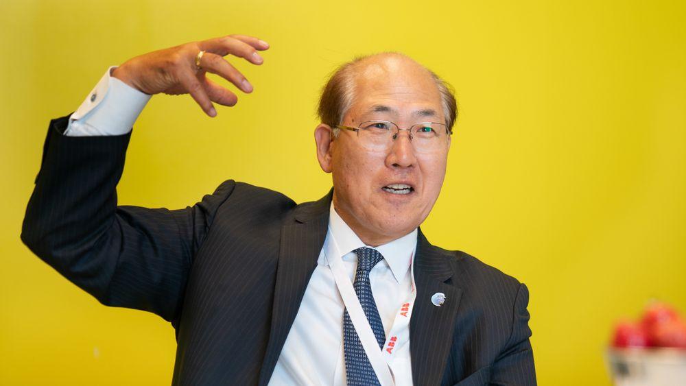 Generalsekretær Kitack Lim i IMO er overbevist om at skipsfarten skal klare å få ned sine klimagassutslipp med 50 prosent innen 2050.