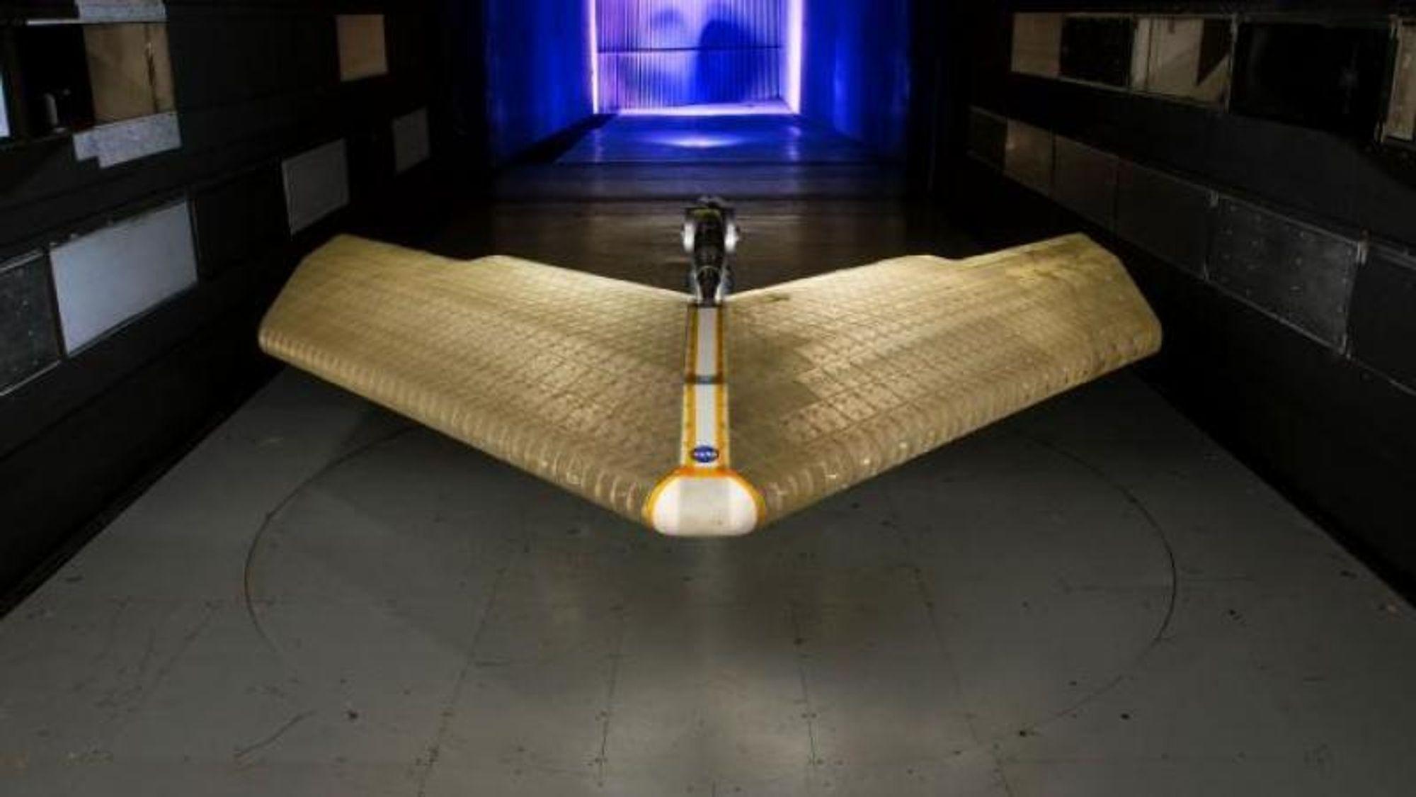 MADCAT-vingen er produsert slik at den akkurat passer inn i NASA Langley Research Centers 4,3 x 6,7 meter store vindtunnel.