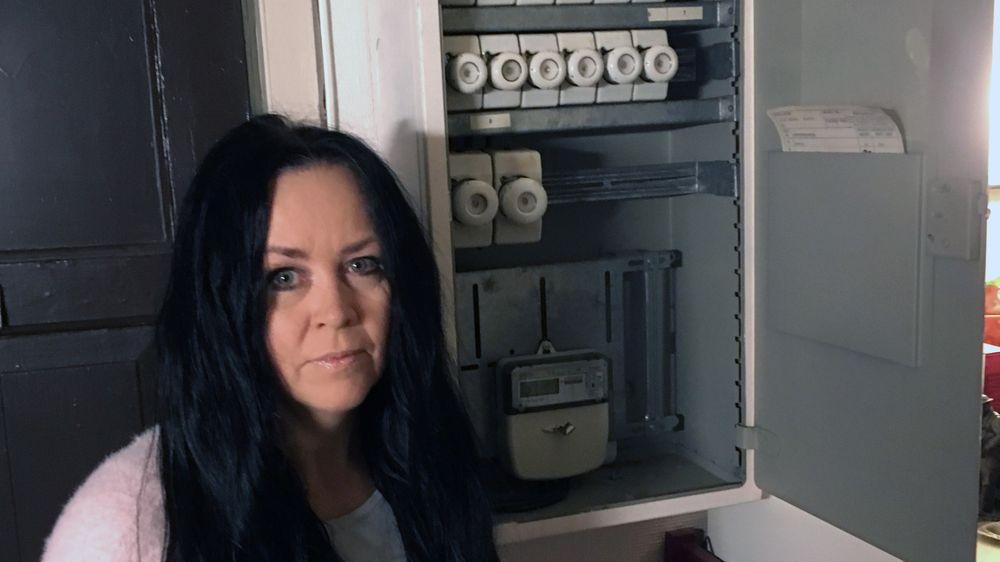 Trondheims-artisten Ann-Lill Doobiedoo Grendahl Elshaug ikke interessert i å få noen ny strømmåler inn i sikringsskapet.