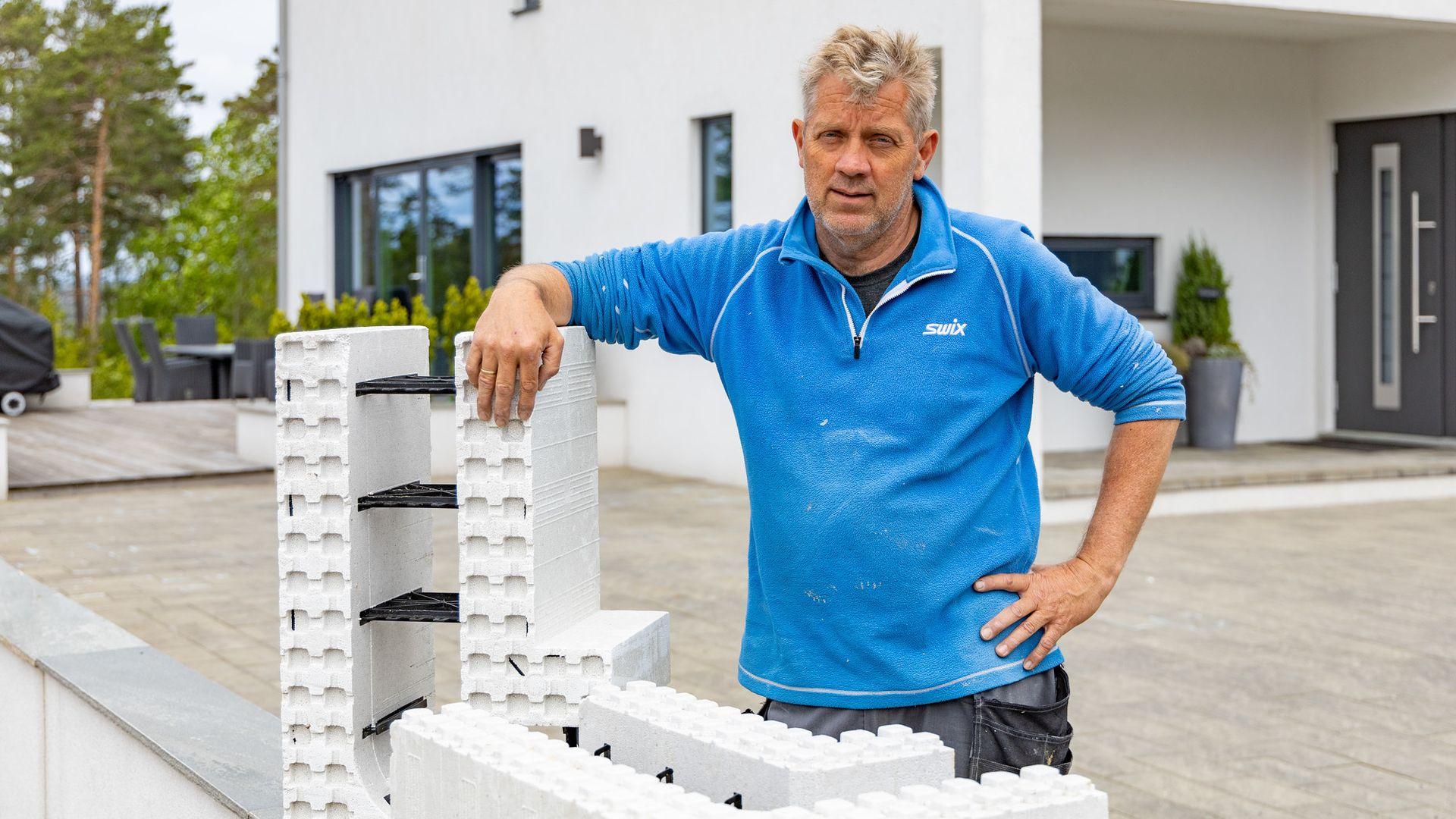 Robert Grønli har bygget både hus og basseng ved hjelp av Jackon Thermomur.