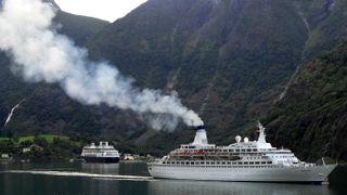 Cruiseflåten er fem ganger verre enn andre skip – og utslippene når land