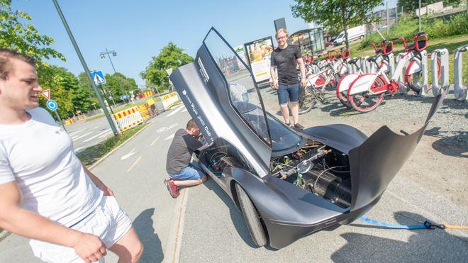 Mener dette er verdens mest energieffektive bil: Målet er å kjøre 250 kilometer på 1 kWh
