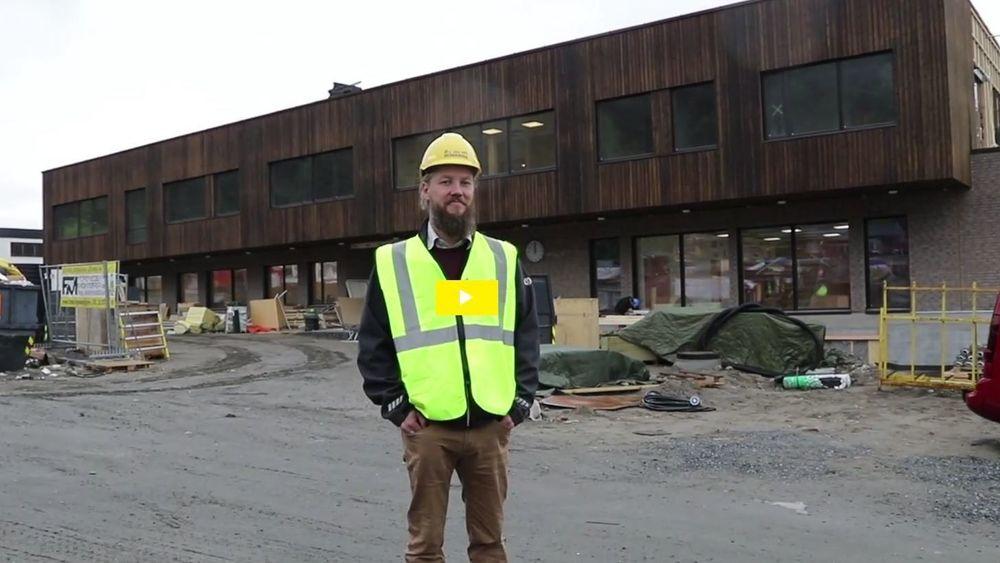 Hallvard Benum er prosjektleder for det prisvinnende prosjektet ved Vestsiden ungdomsskole. Se video lenger ned i saken.