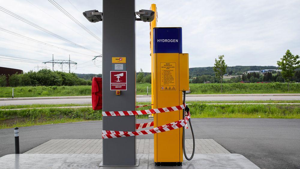 Alle hydrogenstasjonene i både Norge og Danmark er stengt. Bildet er fra Uno-X-stasjonen ved Hvam i Skedsmo.
