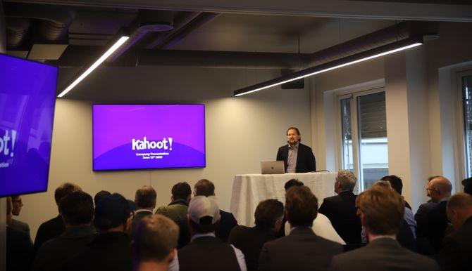 Kahoot-sjef Åsmund Furuseth la fram selskapets planer for de rundt 50 fremmøtte på selskapets investoroppdatering onsdag ettermiddag.