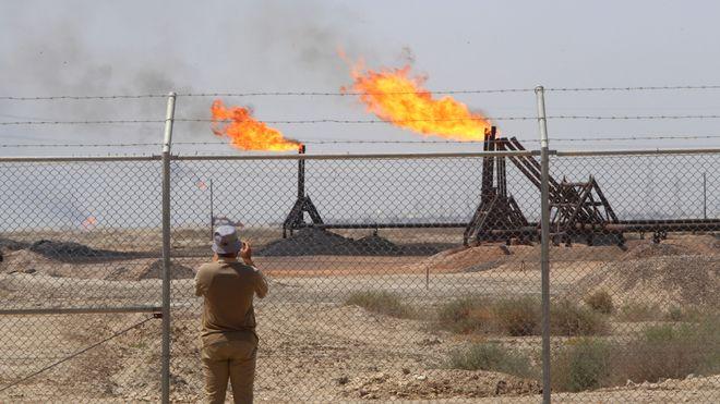 Oljeselskaper truffet av rakett i Basra – planlegger å evakuere