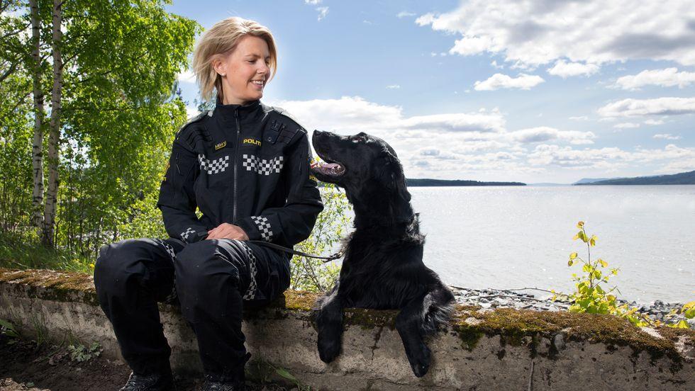 4c650645 BRÅSTOPP: Politibetjent Tina Edvardsen får ikke fortsette som hundefører.  Politikollegene skryter av jobben hun