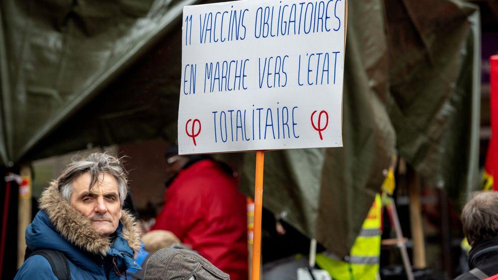 Protest i Strasbourg mot vaksinasjonsprogrammet i Frankrike.