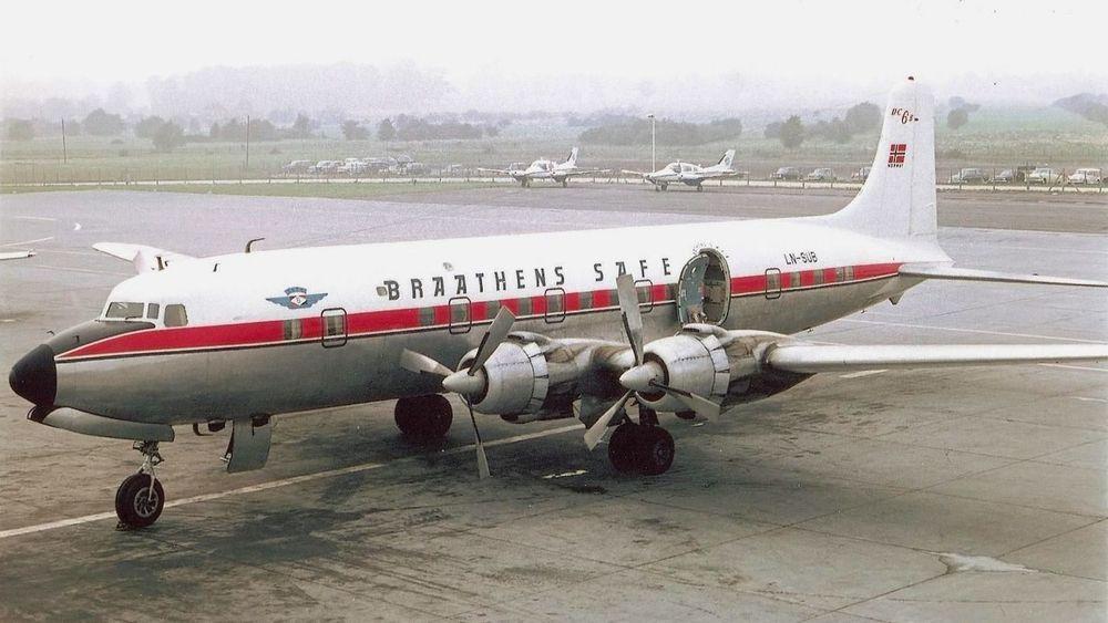 DC-6B-flyet LN-SUB fløy for Braathens SAFE i perioden 1962-1971. Nå er flyet straks på vei tilbake til Sola lufthavn der det skal stilles ut.