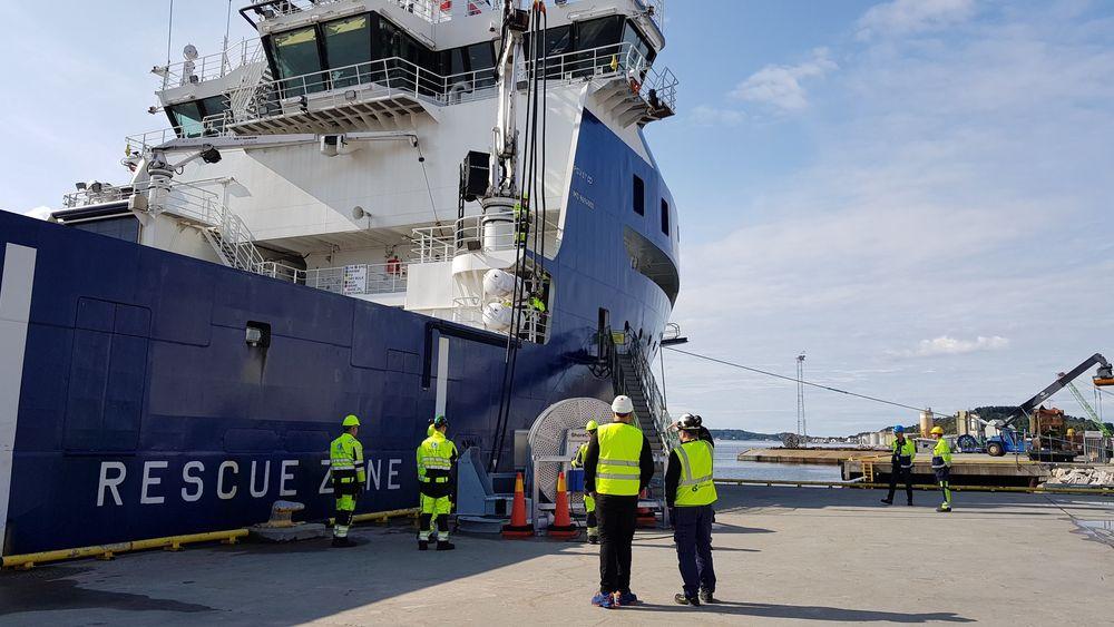 North Sea Giant har redusert drivstoffforbruk og klimagassutslipp med 30 prosent ved å installerer batterier og koble seg på landstrøm.  BIldet viser Troms Offshores «Troms Arcturus»,
