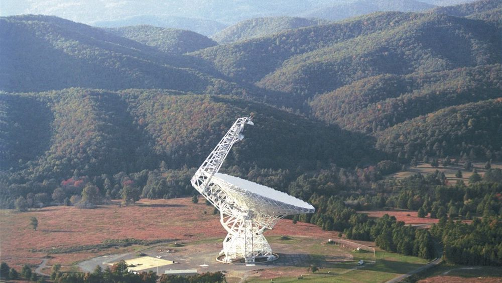 Green Bank Telescope i West Virginia, USA, er et av teleskopene som brukes av Breakthrough Listen.