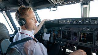 Avanserte værdata tikker inn i cockpiten – slik sparer Norwegian-pilotene drivstoff